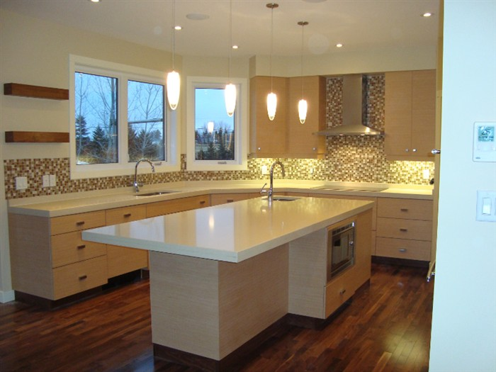 Custom kitchen cabinets regina cougar custom cabinets for Kitchen cabinets regina